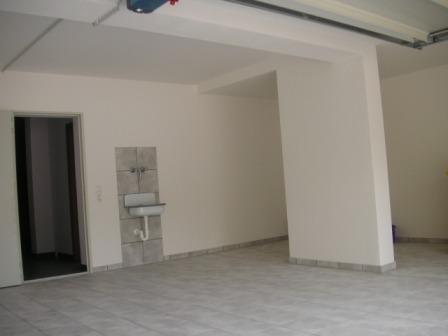 pict0027-garage-1_448